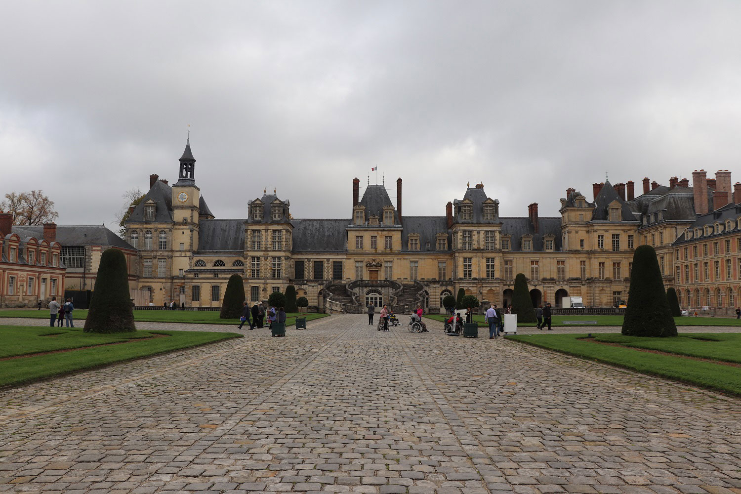 A Day Trip to Fontainebleau and Vaux-le-Vicomte