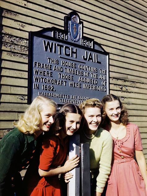 Vintage photograph or girls in Salem